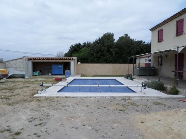 Entreprise de construction de piscine vers salon de provence